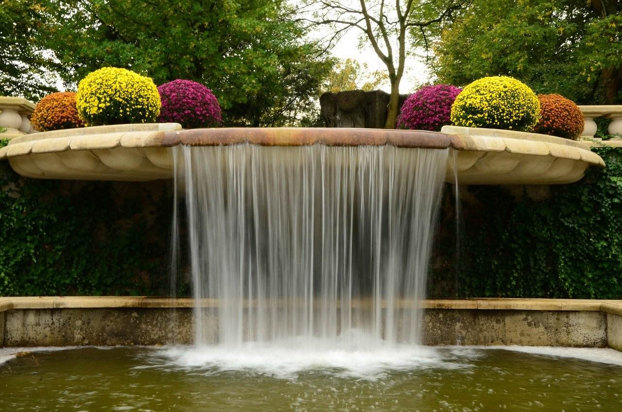 How to Plant a Waterfall Garden in Your Yard