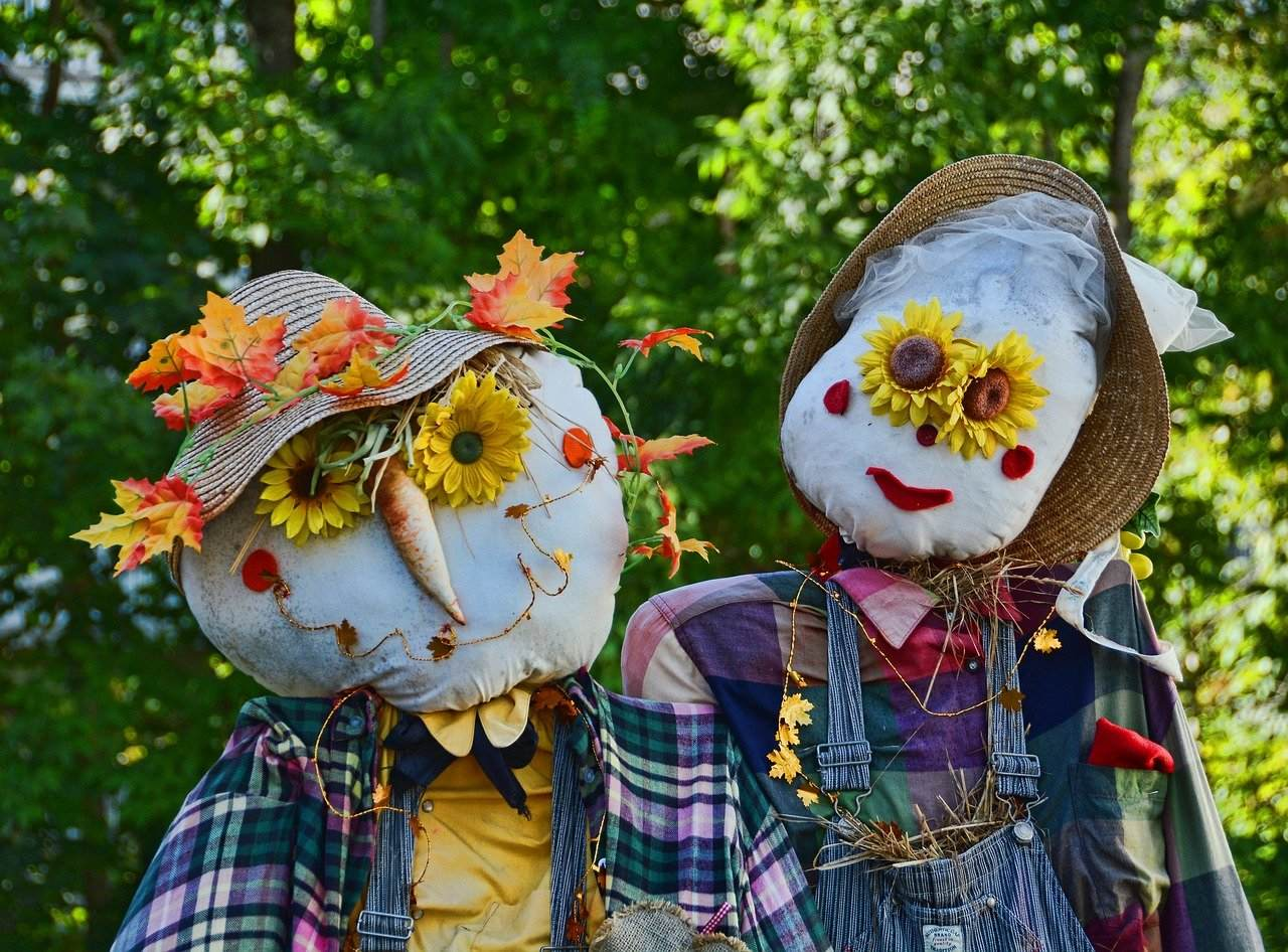 Decorate Your Yard and Garden for Autumn