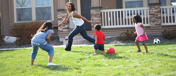 Freeze tag & shadow tag - 10 Best Outdoor Gamesfor Family