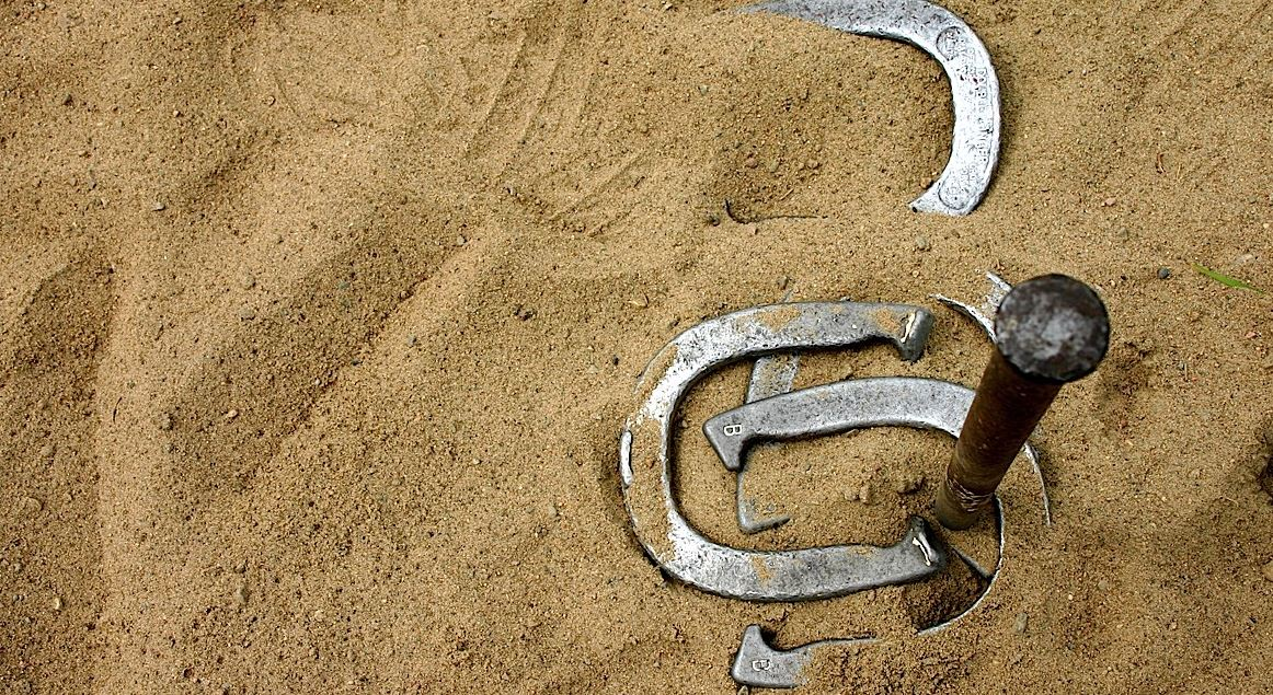 Horseshoes - 10 Best Outdoor Gamesfor Family