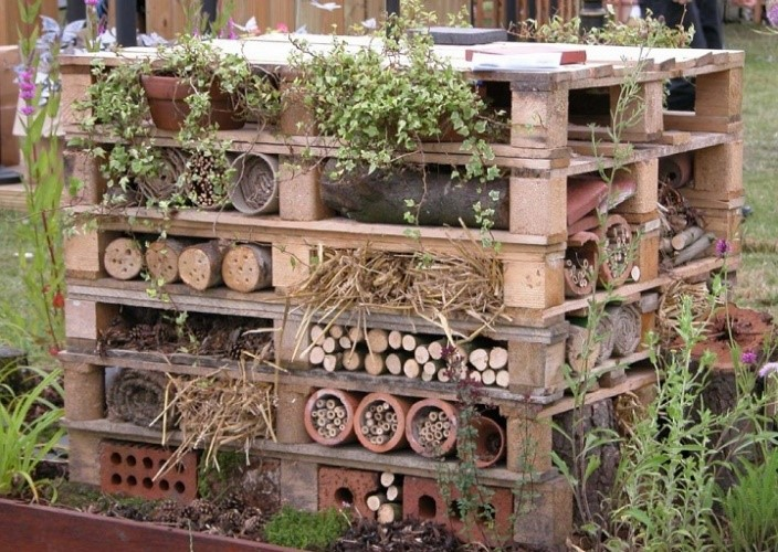 Pallet Bee Hotel (attracts all sorts of bees and critters)