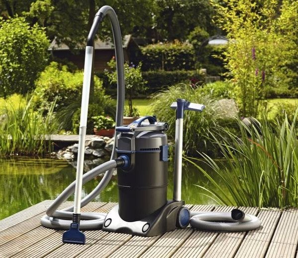 Cleaning with the help of pond vacuum cleaners